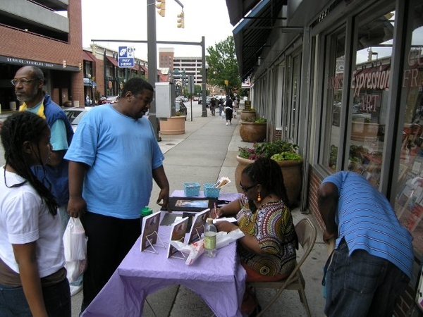 """DOWNTOWN BALTIMORE """"EXPRESSIONS"""" Book Tour Stop June 6, 2009 (3 of 4)"""